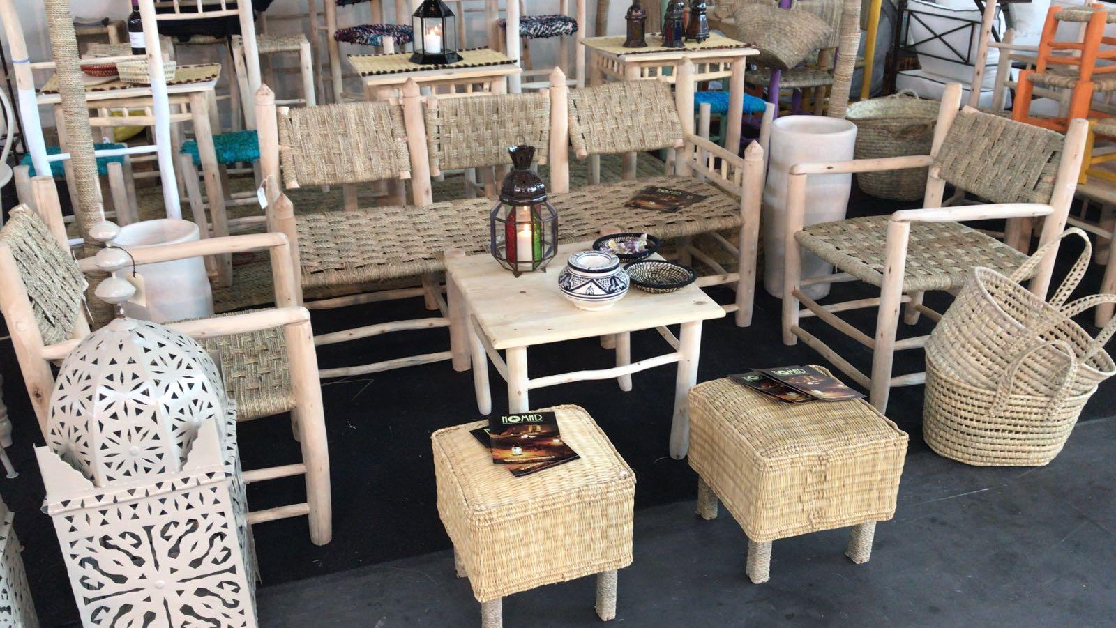 Tavolo in pioppo quadrato basso