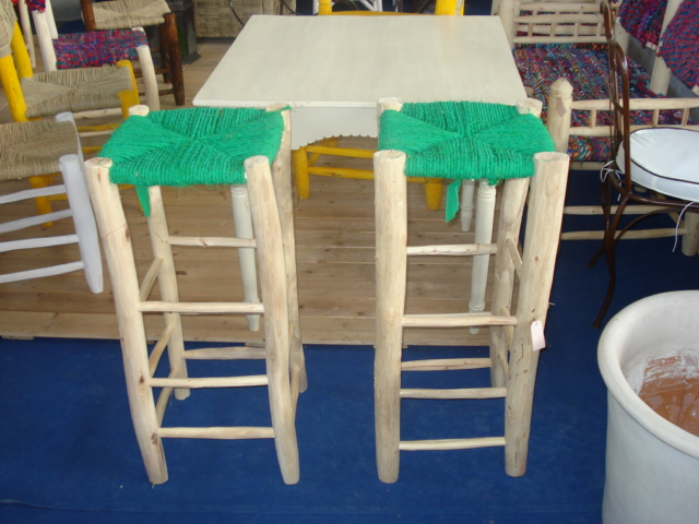 Sgabelli alti in legno corktown sgabello alto by hollis