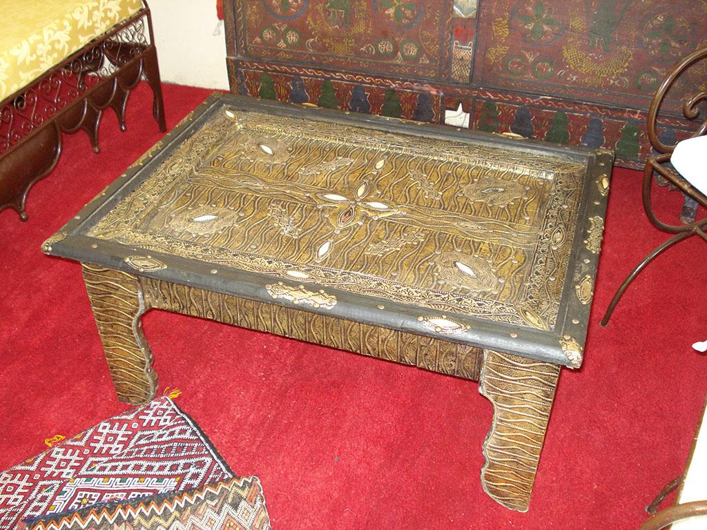 TAVOLO Berbero in legno laminato  ottone anticato