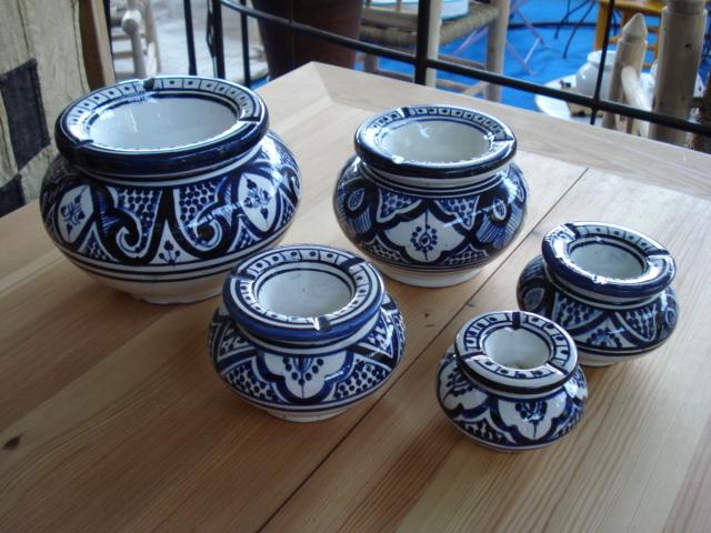 POSACENERE mod. Beld� in ceramica